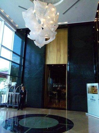 Hilton Lima Miraflores: Lobby del hotel