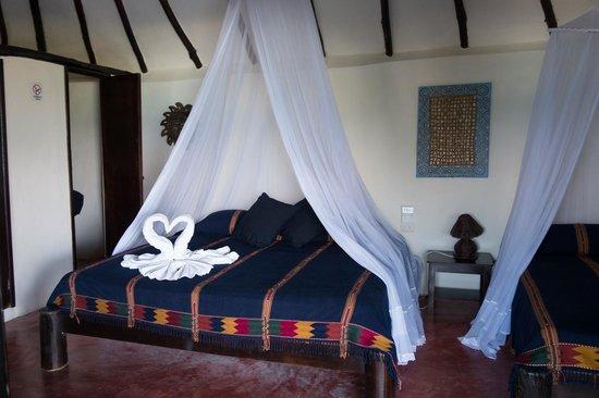Poc-na Tulum : swan towel