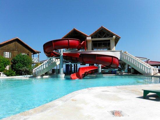 N-Resort All Inclusive For Adults : Slide O'Fun
