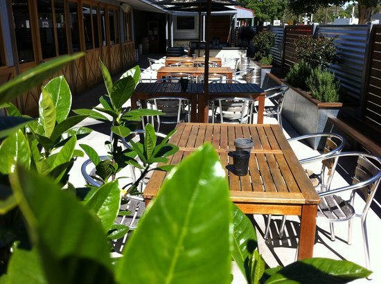 The Northo - North Eastern Hotel: Courtyard available for dining or drinks