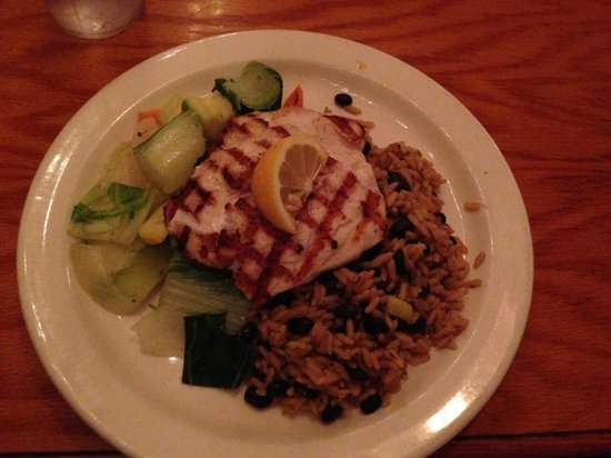 Captain Charlie's Reef Grill: My grilled triple fin was light and moist, just perfect.
