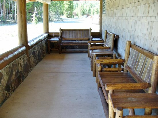 Canyon Village Campground : Dunraven Lodge Front Porch
