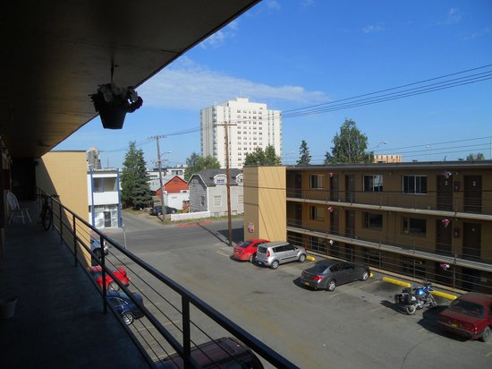Alaska Backpackers Inn : View from the room door