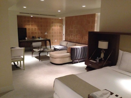 The London West Hollywood: Beautiful Junior Suite
