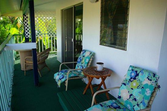 Garden Island Inn Hotel: lanai