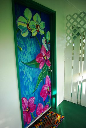 Garden Island Inn: Room door
