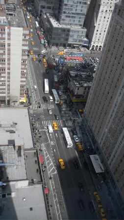 InterContinental New York Times Square : Street view from our room
