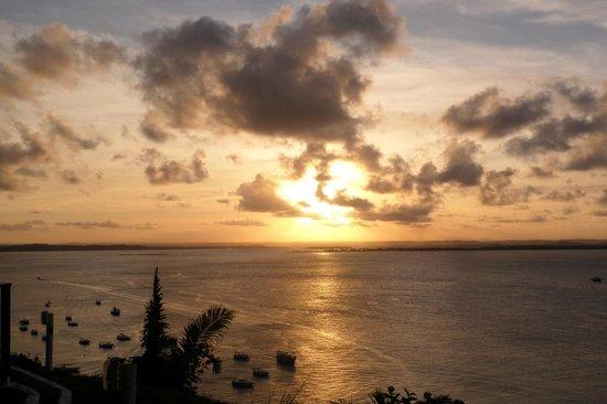Patachocas Beach Resort: Pôr do sol na Toca do Morcego