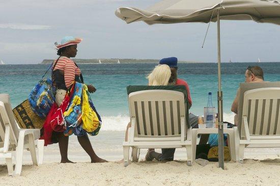 La Playa Orient Bay: Beach Life