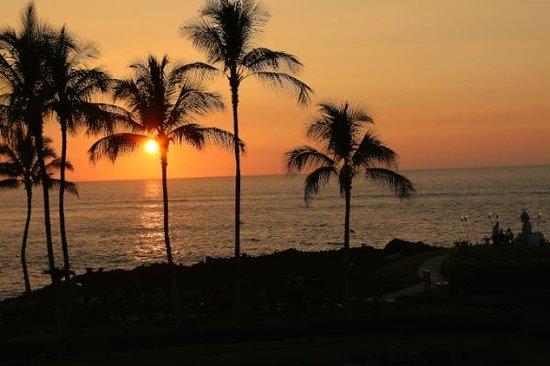 Hilton Waikoloa Village: Sunset from our Lanai