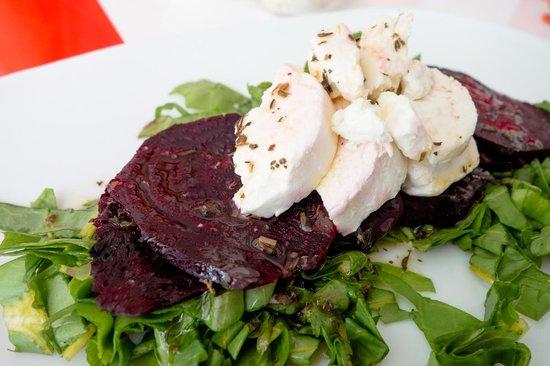 Teetotum Hotel: beet salad