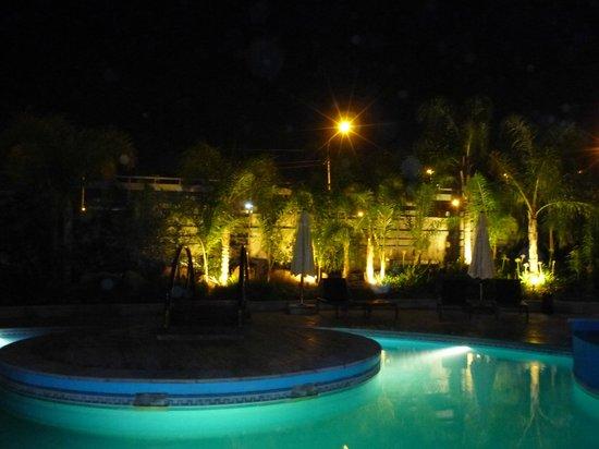 Esplendor Mendoza: piscina
