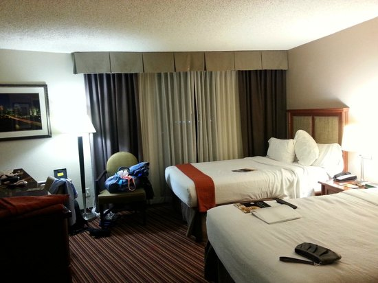 Holiday Inn Austin-Town Lake: Two queen bedroom