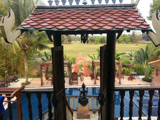 Lanna Saithong Resort: VU DE LA TERRASSE DE LA CHAMBRE