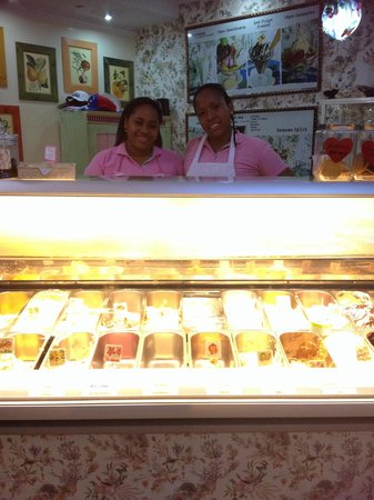 Gelateria Paradiso: Erika and Cilena are always so pleasant and helpful at Paradiso.. Thank you