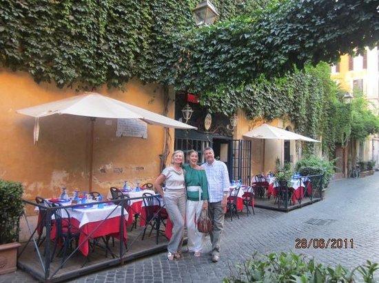Osteria Margutta : Tranquil street restaurant in Via Margutta