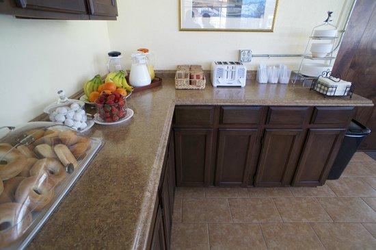 Parkview Inn Motel: Continental breakfast