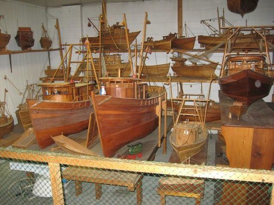 Singleton's Seafood Shack: Some of Capt. Singleton's handmade boats.
