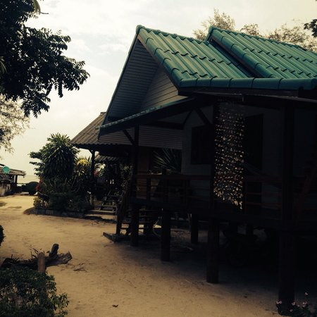 Double Duke Seafood & Bungalow : Bungalows am Strand