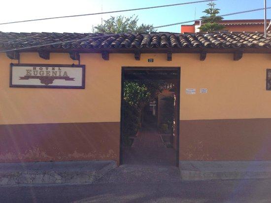 Hotel Eugenia: Entrance