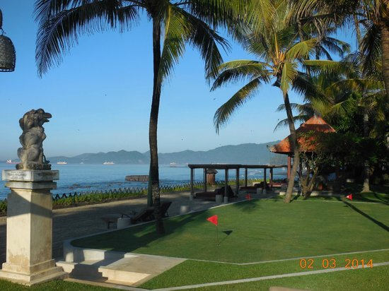 Rama Candidasa Resort & Spa: Golf and Beach area