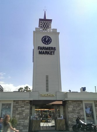 A Day in LA Tours : Lunch @ the Farmer's Market in the Grove