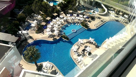 Crown Metropol Perth : View of pool from room