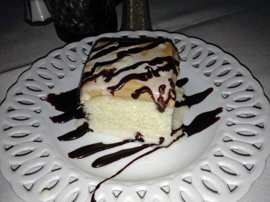 Espana Restaurant & Tapas: Three Milk Cake with Caramel Frosting