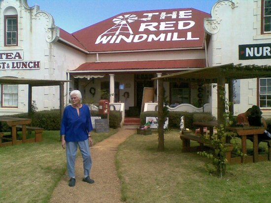 The Red Windmill : The grande dame