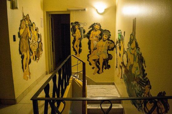 Itaka Hostel: Las paredes del hostel