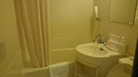 Hotel A P: バスルーム