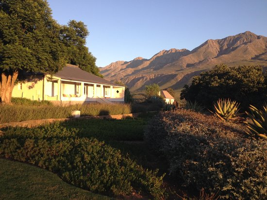 Swartberg Country Manor: Swartberg sunrise
