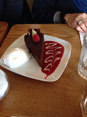 Pastiche Fine Desserts: Chocolate torte