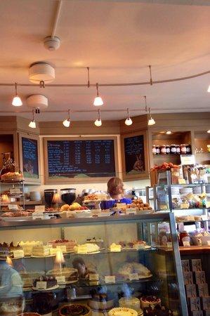 Pastiche Fine Desserts: Counter