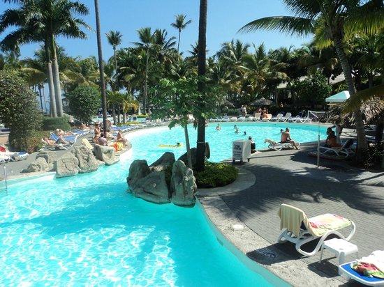 ClubHotel Riu Bachata: pool area