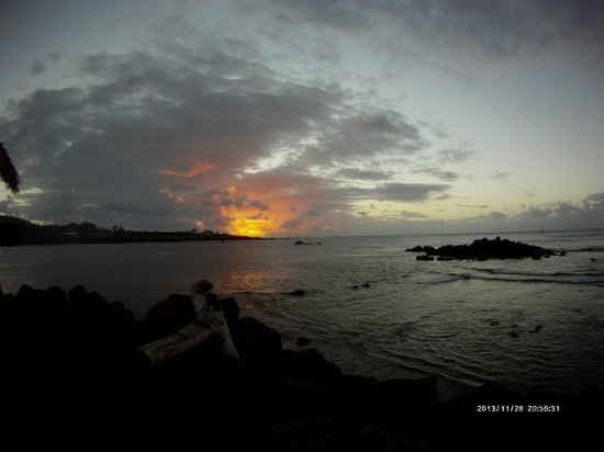 Chez Maria Goretti: sunset in Hanga Roa