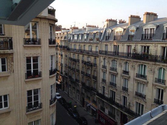 Villa Brunel: Вид из окна номера на 6-м этаже