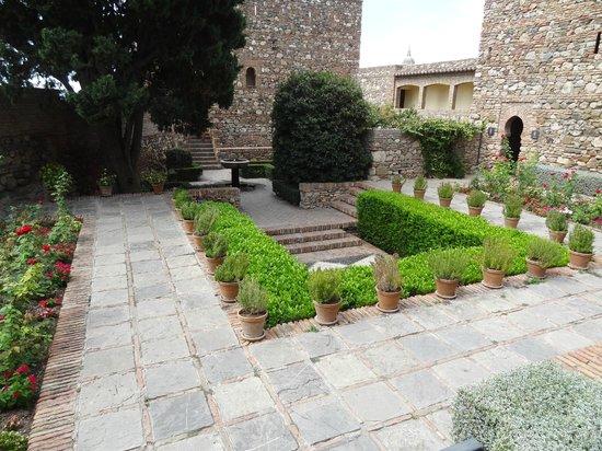 Alcazaba: Courtyard