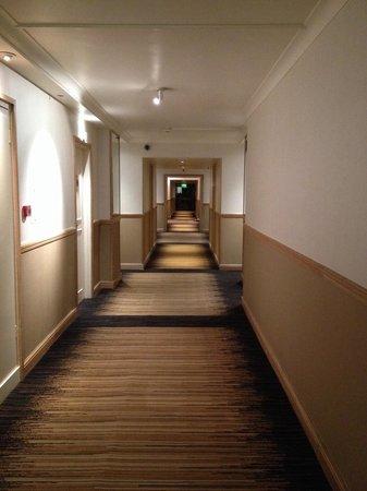 Sheraton Skyline Hotel London Heathrow : The corridor