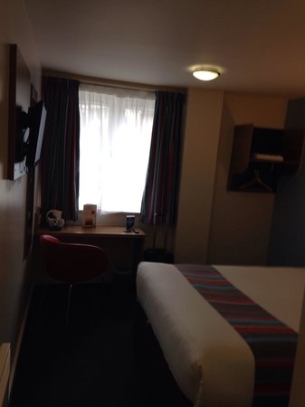Travelodge Manchester Central: Nice room