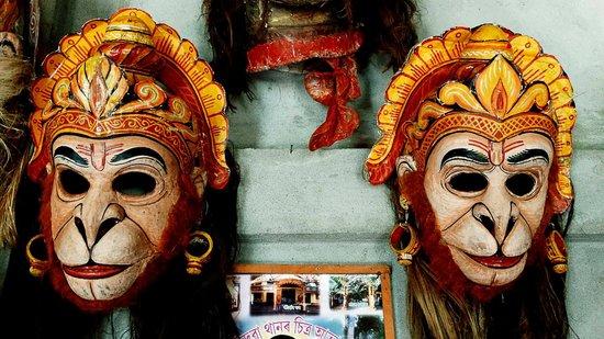 Mask Masking at Sangri Sattra
