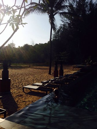 Anantara Layan PhuketResort : The hotel'a beach