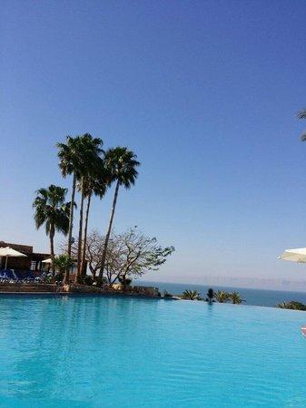 Movenpick Resort & Spa Dead Sea: Fantacy island!