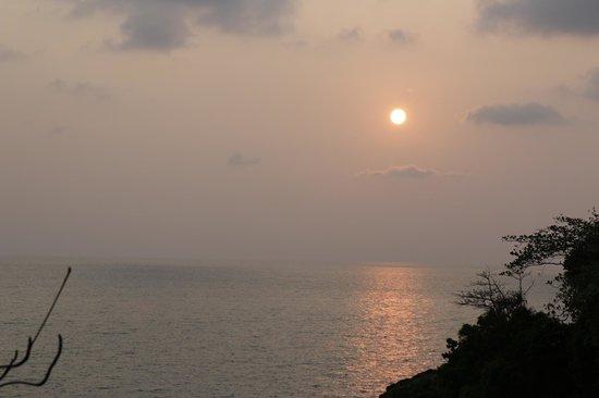 Bang Bao Cliff View Resort : Sunset.