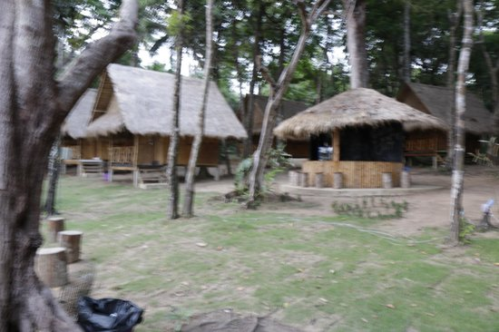 Bang Bao Cliff View Resort : Bamboo bungalows.
