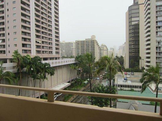 OHANA Waikiki Malia by Outrigger: ベランダからの眺望