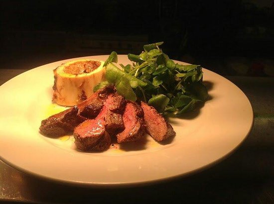 Oldfields Noted Eating House: Flat Iron Steak & bone marrow