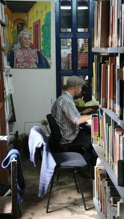 Na Bolom Cultural Centre: Library