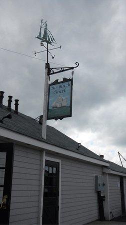 Bowen's Wharf: Black Pearl Restaurant