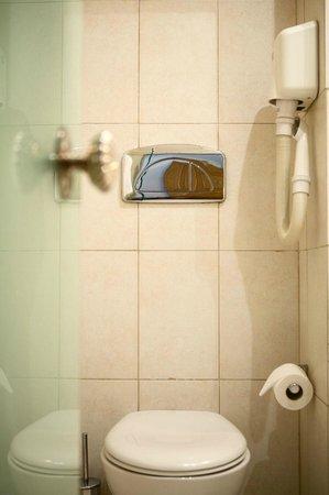 Rotonda Hotel: Bathroom